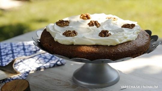 Bezlepkový amarantový koláč s orechami