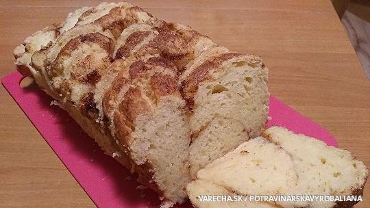 Bezlepkový škoricový chlebík