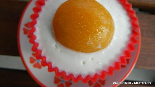 Broskyňovo-marhuľové veľkonočné koláčiky