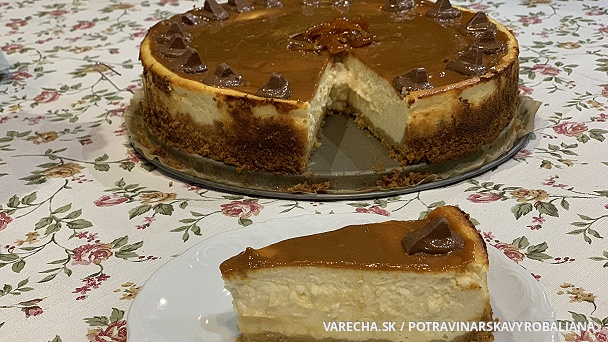 Cheesecake so slaným karamelom