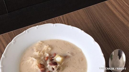 Fazuľovo-kapustová mliečna polievka