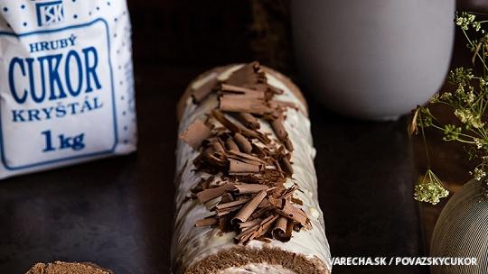 Gaštanová roláda s kúskami čokolády