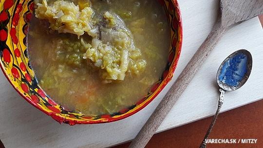 Kelovo-pórová polievka