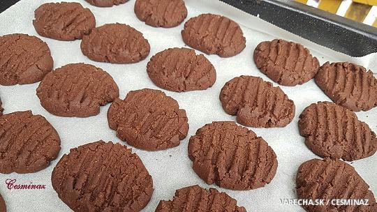 Krehké kakaové sušienky