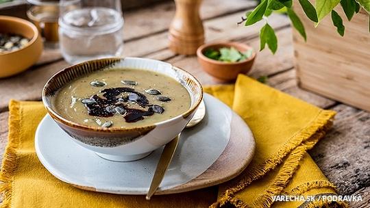 Krémová polievka so semienkami