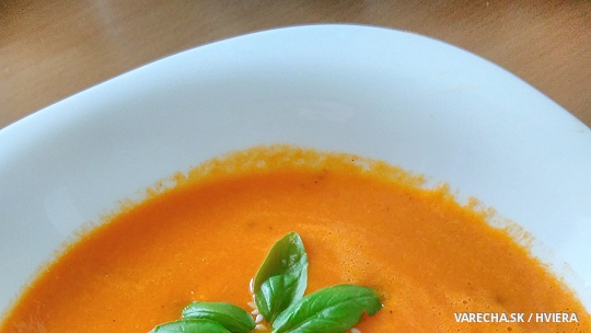 Krémová polievka z pečenej papriky