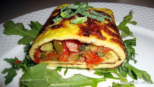 Omeleta s oštiepkom a dusenou zeleninou