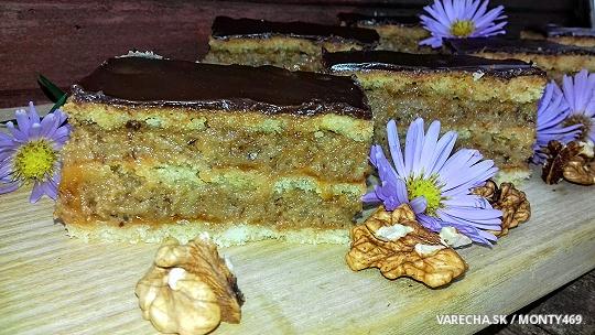 Orechovo-lekvárový koláč