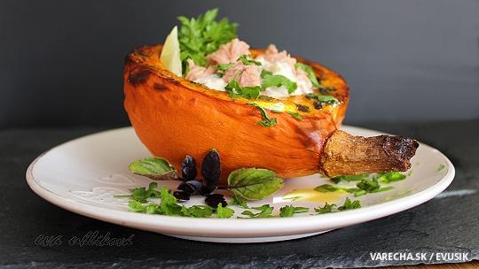 Pečená tekvica s tuniakovým šalátom