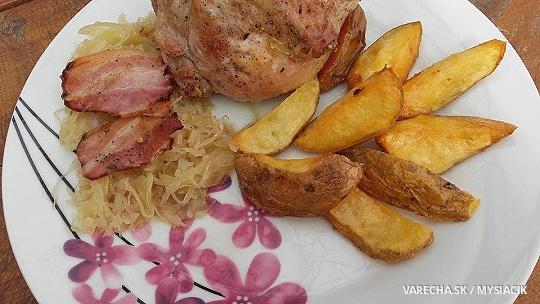 Pečené zemiaky s kuracími štvrťami na...