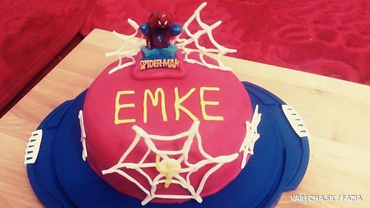 Piškótová torta s jogurtovou a jahodovou...