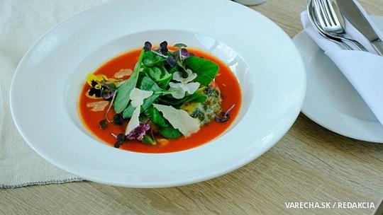 Plnené šampiňóny portobello v paradajkovej omáčke