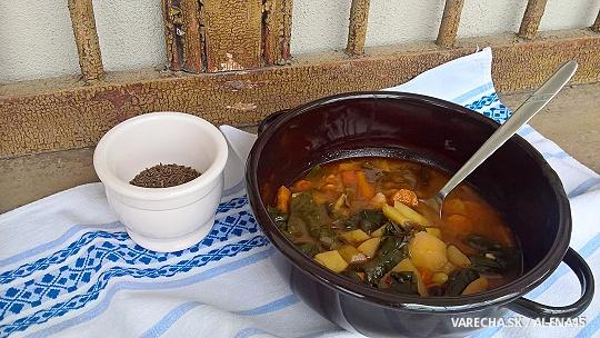 Sedliacka polievka na rasci s mangoldom