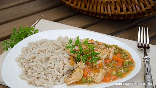 Špaldová ryža s kuracím na hrášku