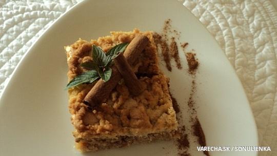 Strúhaný jablkový koláč