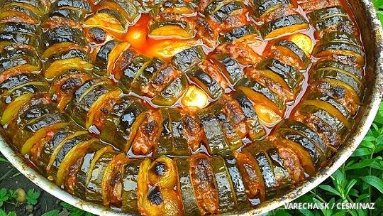 Cukinový tepsi kebab