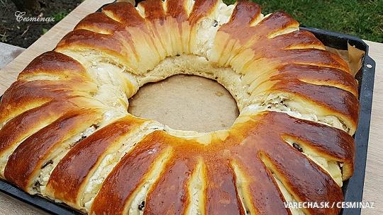 Tvarohový koláč s ananásom a kúskami...