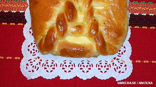 Tvarohový koláč s vrkočom