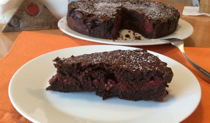 Čokoládový koláč s malinami