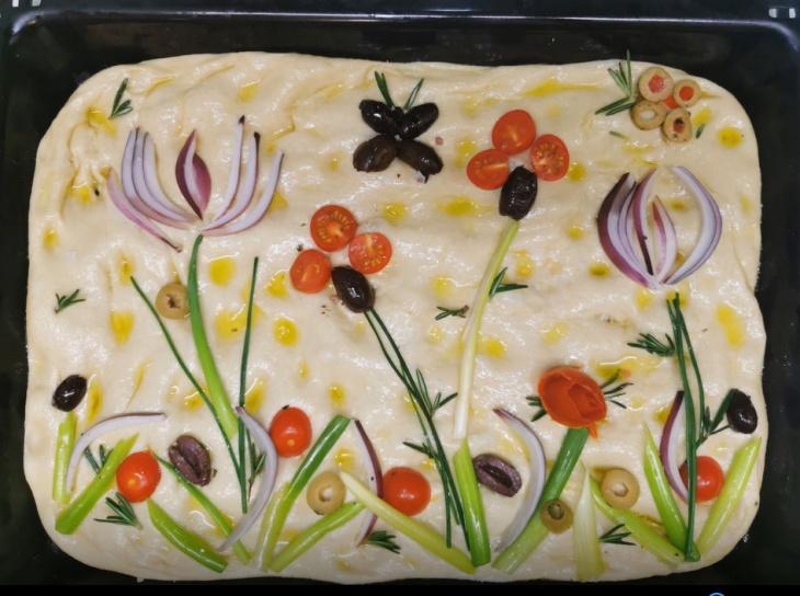 Focaccia - taliansky domáci chlieb s olivami...