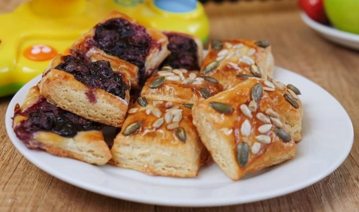 Drobné slané i sladké pečivo z jedného cesta
