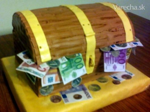 Drevena truhlica na peniaze