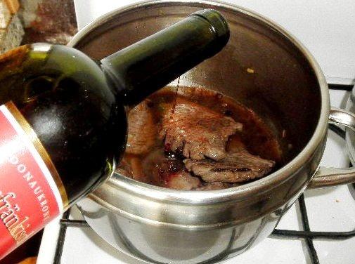Dusená divina - zverina na víne (fotorecept) - obrázok 6