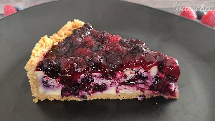 Tvarohový koláč s bobuľovým ovocím -...
