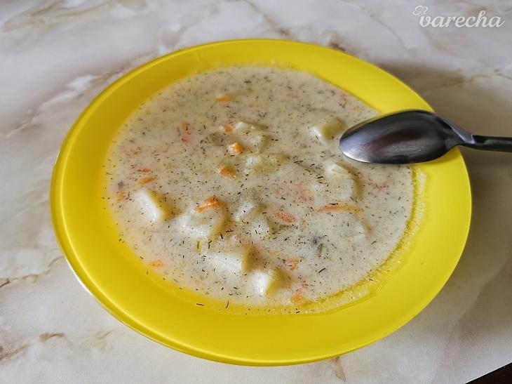(Aj) kyslá zemiaková polievka