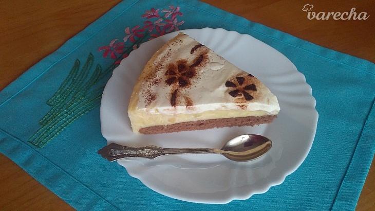 Jablkovo-pudingový koláč