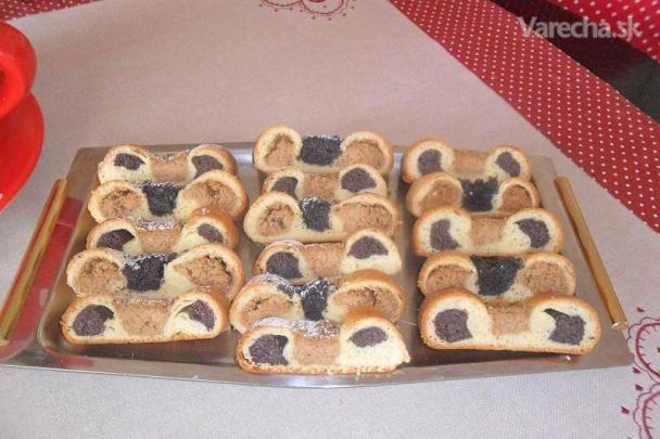 9b97f9293 Kysnutý makovo-orechový koláč na Veľkú noc (fotorecept) - Recepty ...
