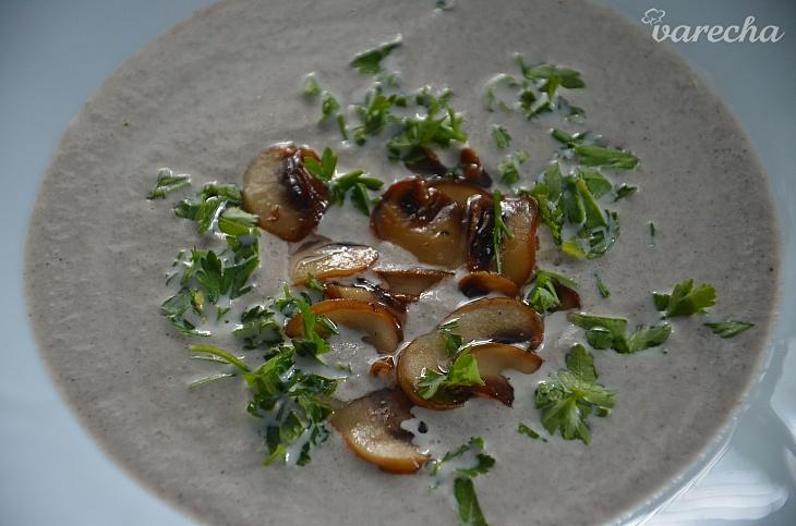 Krémová šampiňónová polievka