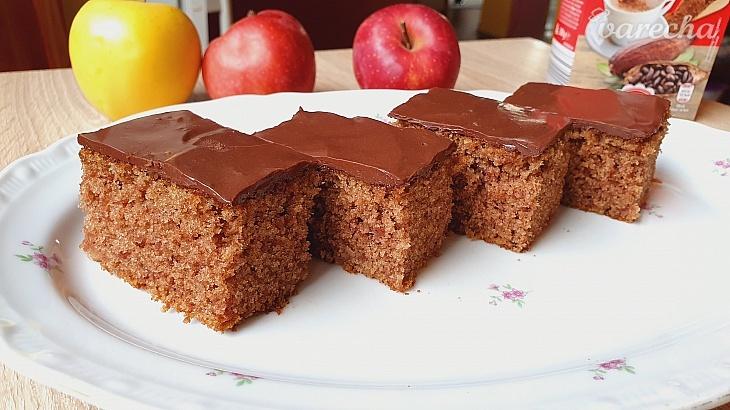 Rýchly jablkový koláčik s čokoládovou...