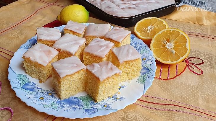 Supervláčny citrónový koláč (videorecept)