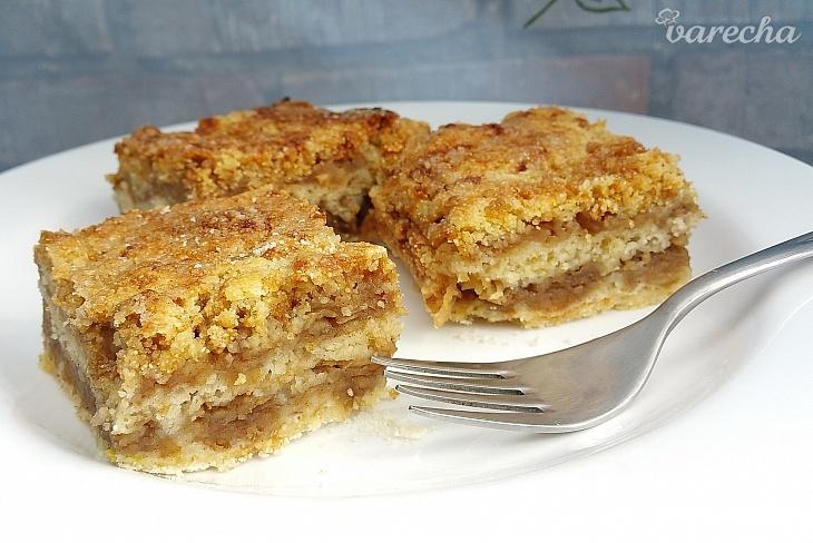 Sypaný jablkový koláč (videorecept)