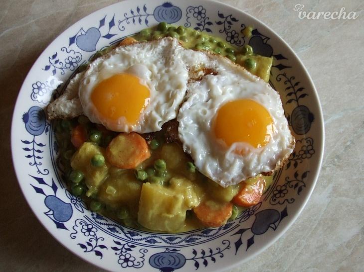 Cuketa s mrkví a hráškem na karí
