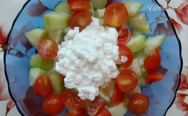 Cottage cheese so zeleninou