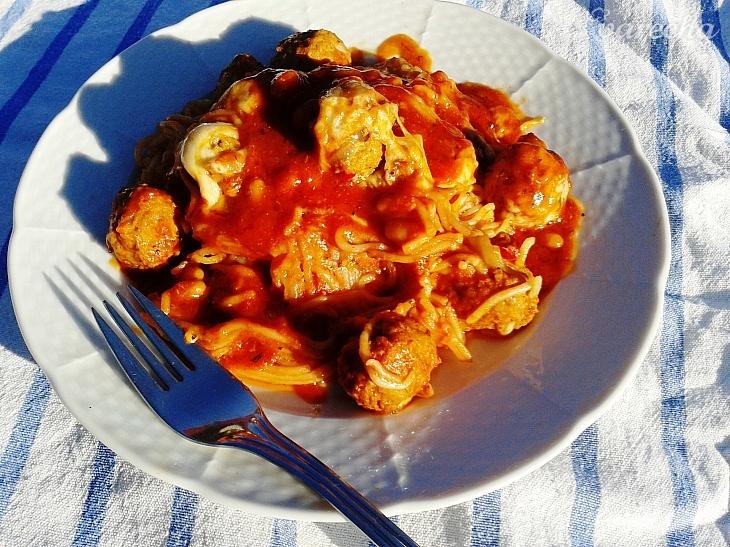 Pečené špagety s mäsovými guľkami