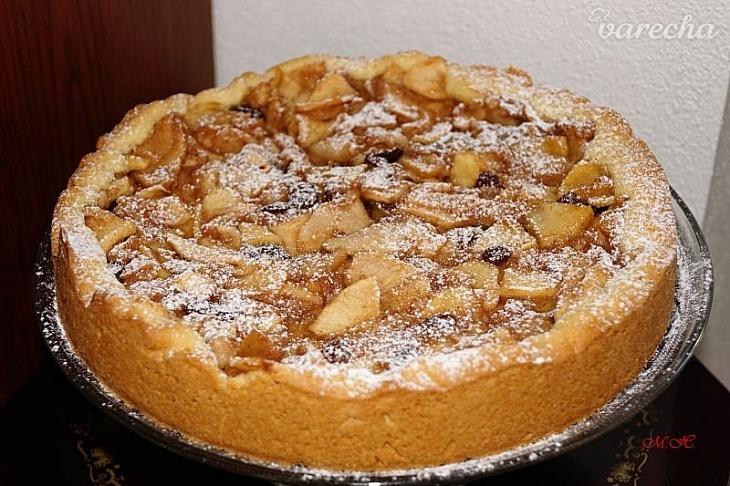Šťavnatý jablkový koláč z křehkého těsta