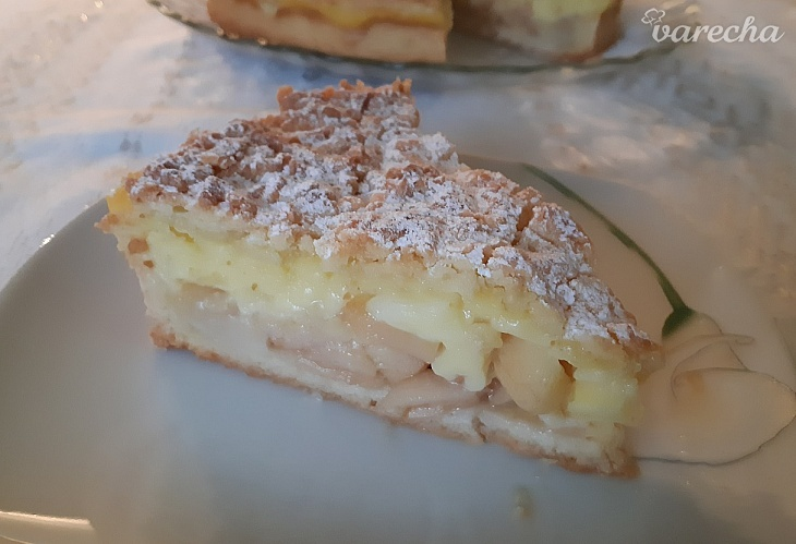 Jablkový koláč s vanilkovým krémom