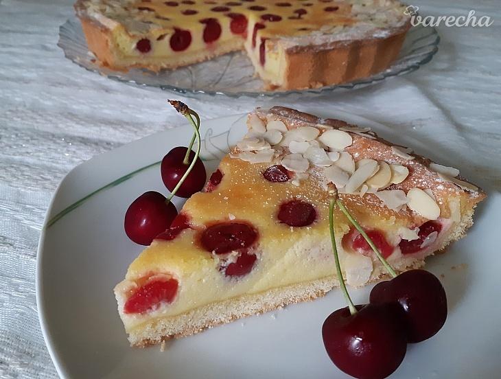 Smotanovo-čerešňový koláč