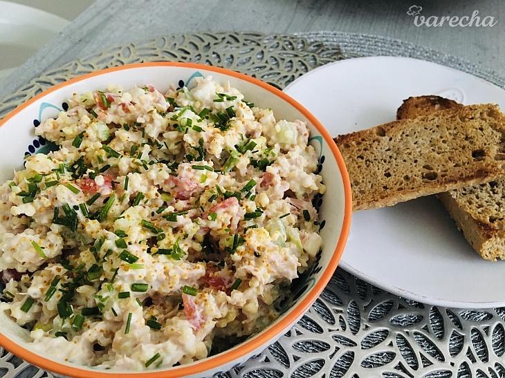 Pšenový šalát s tuniakom