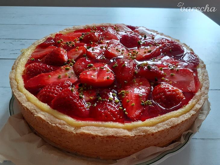 Jahodovo-pudingový koláč