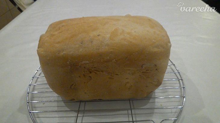 Kváskový chlieb v pekárničke bez rozkvasu