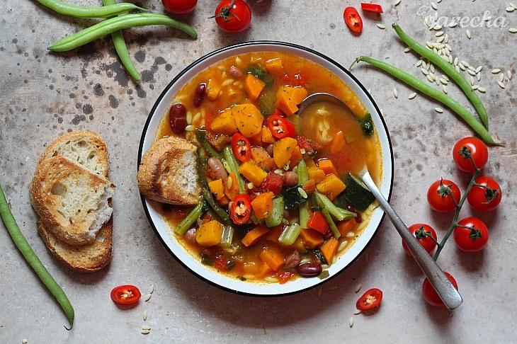 Zimná minestrone polievka