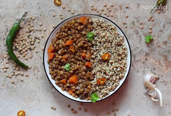 Šošovicové karí s quinoou