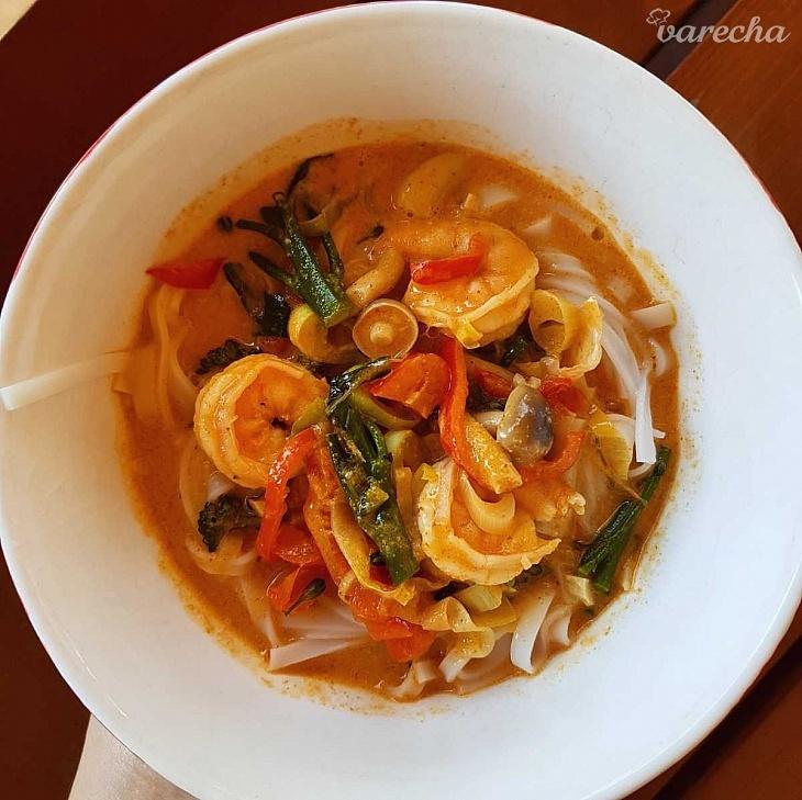Thajské červené karí s krevetami (thai red curry)